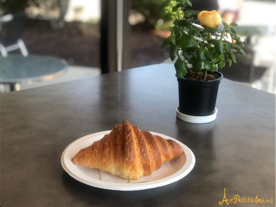 The star (well, crescent moon) of French pastries!